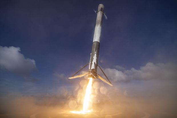 Falcon 9 aterrizando