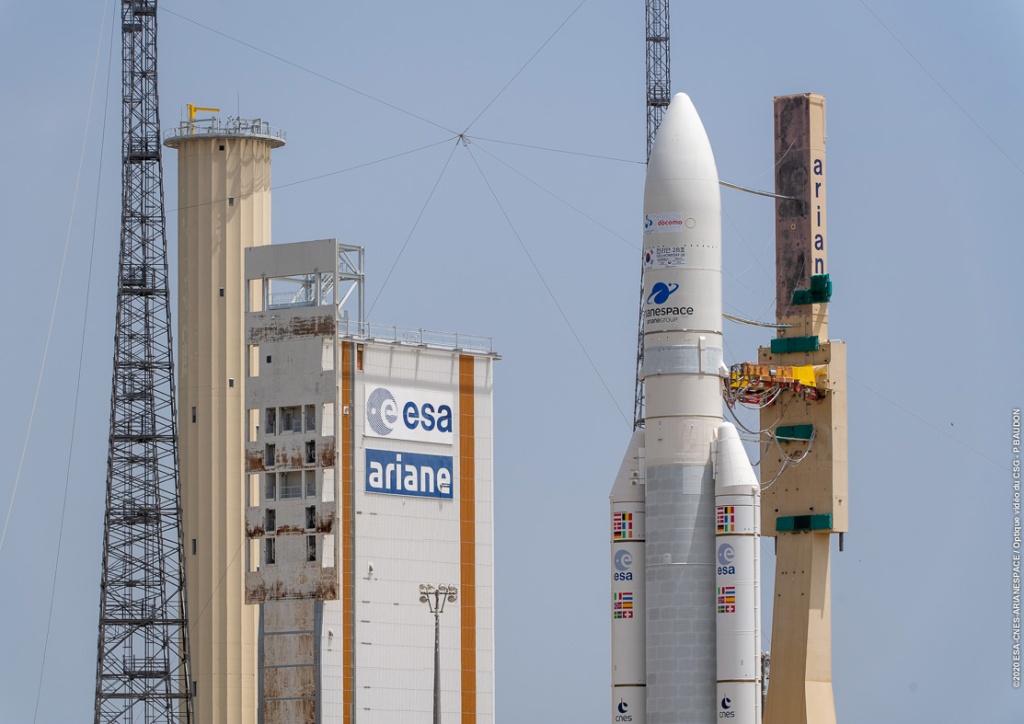 Ariane 5 en vertical